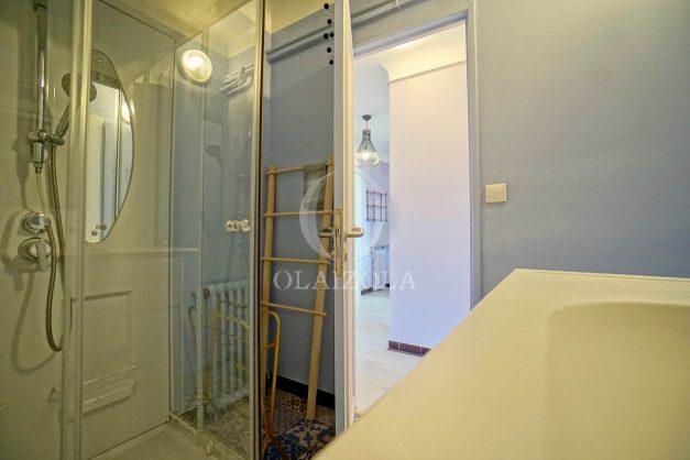 location-vacances-biarritz-appartement-renove-6eme-vue-mer-traversant-centre-ville-tout-a-pied-balcon-029