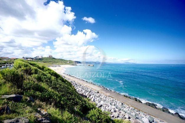 location-vacance-biarritz-appartement-t2-pieds-dans-l-eau-plage-a-pied-piscine-marbella-tennis-006