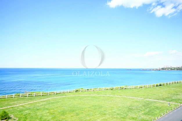 location-vacance-biarritz-appartement-t2-pieds-dans-l-eau-plage-a-pied-piscine-marbella-tennis-007