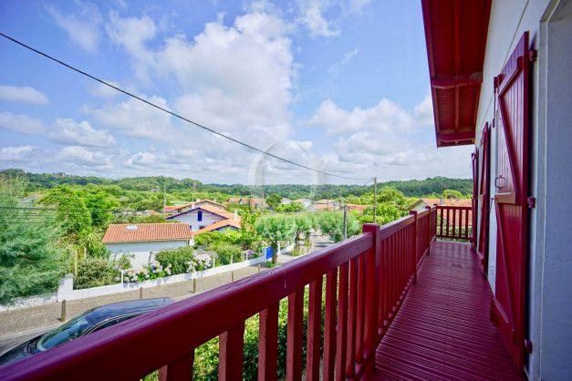 location-vacances-bidart-appartement-roserai-3pieces-balcon-parking-proche-plage-001