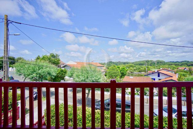 location-vacances-bidart-appartement-roserai-3pieces-balcon-parking-proche-plage-002