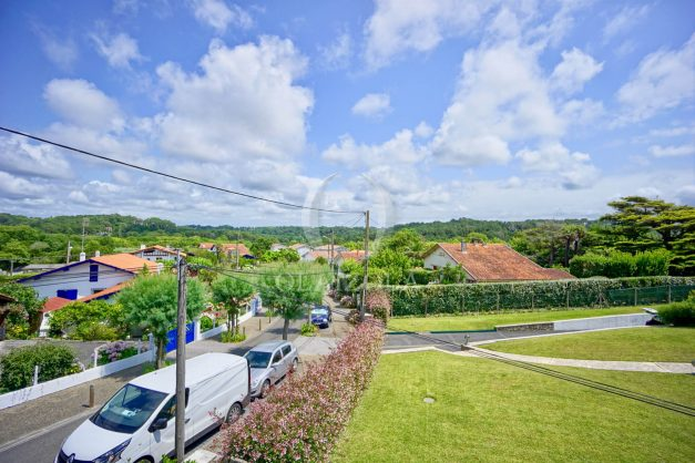 location-vacances-bidart-appartement-roserai-3pieces-balcon-parking-proche-plage-004
