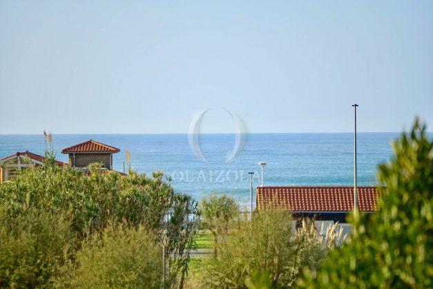 location-vacances-anglet-appartement-en-residence-chambre-d-amour-jardin-terrasse-rez-de-chausee-proche-plage-a-pied-vue-mer-2020-004