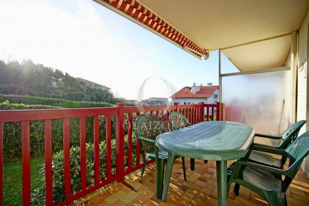 location-vacances-anglet-appartement-en-residence-chambre-d-amour-jardin-terrasse-rez-de-chausee-proche-plage-a-pied-vue-mer-2020-005