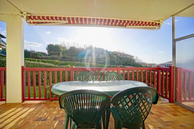 location-vacances-anglet-appartement-en-residence-chambre-d-amour-jardin-terrasse-rez-de-chausee-proche-plage-a-pied-vue-mer-2020-006