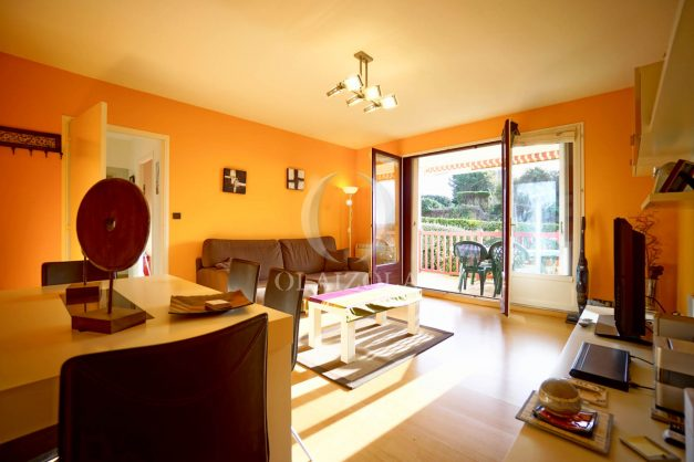 location-vacances-anglet-appartement-en-residence-chambre-d-amour-jardin-terrasse-rez-de-chausee-proche-plage-a-pied-vue-mer-2020-012