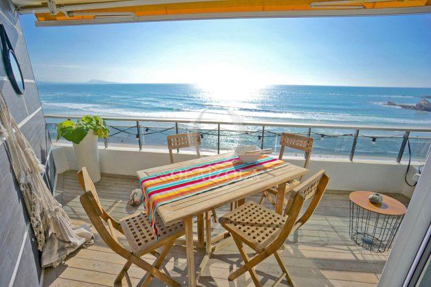 vacances-location-biarritz-sunset-T1-terrasse-vue-mer-plage-cote-des-basques-plage-a-pied-001