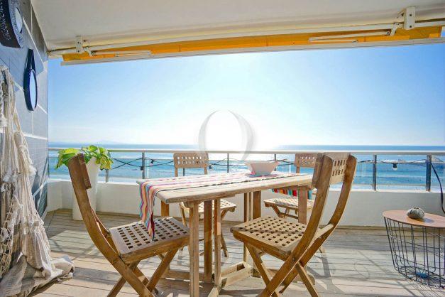 vacances-location-biarritz-sunset-T1-terrasse-vue-mer-plage-cote-des-basques-plage-a-pied-011