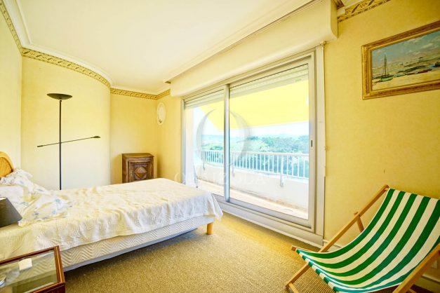 location-vacances-biarritz-appartement-vue-mer-parking-milady-marbella-ilbaritz-terrasse-piscine-plages-a-pied-016
