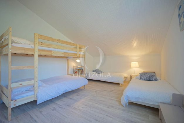 location-vacances-villa-8-pièces-bidart-jardin-terrasse-calme-proche-plage-040