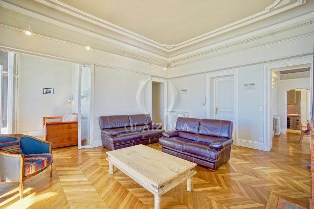 location-vacances-biarritz-appartement-vue-mer-standing-cote-des-basques-parking-terrasse-plein-sud-plage-a-pied-011