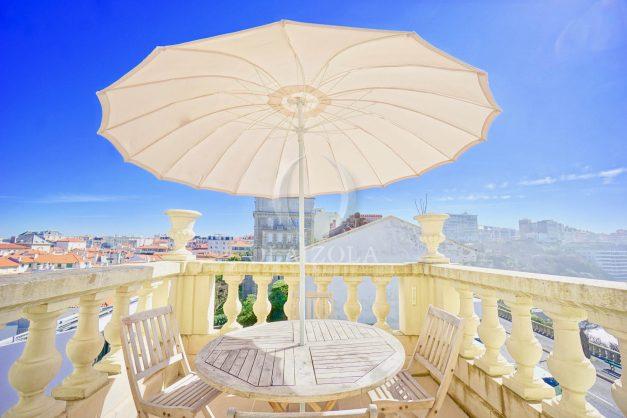 location-vacances-biarritz-appartement-vue-mer-standing-cote-des-basques-parking-terrasse-plein-sud-plage-a-pied-016