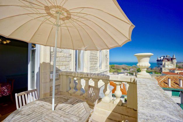 location-vacances-biarritz-appartement-vue-mer-standing-cote-des-basques-parking-terrasse-plein-sud-plage-a-pied-020