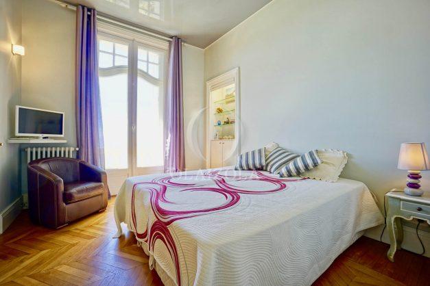 location-vacances-biarritz-appartement-vue-mer-standing-cote-des-basques-parking-terrasse-plein-sud-plage-a-pied-032
