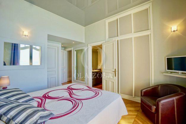 location-vacances-biarritz-appartement-vue-mer-standing-cote-des-basques-parking-terrasse-plein-sud-plage-a-pied-033