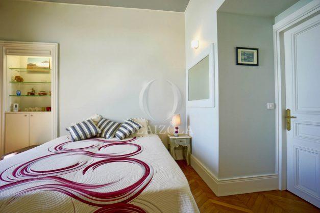 location-vacances-biarritz-appartement-vue-mer-standing-cote-des-basques-parking-terrasse-plein-sud-plage-a-pied-037