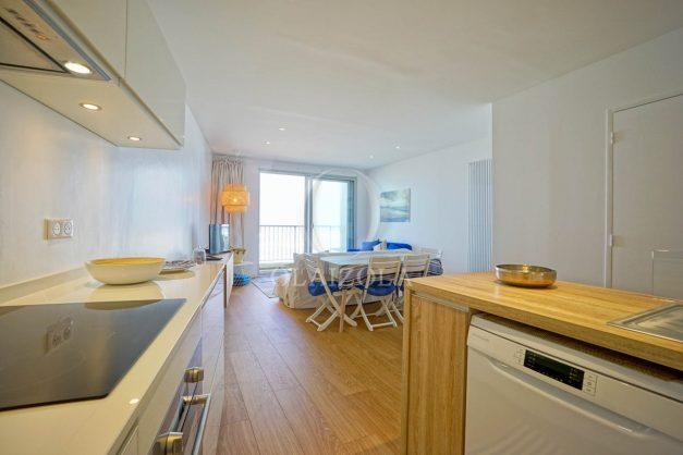 location-vacance-biarritz-appartement-t2-vue-mer-miramar-terrasse-centre-ville-parking-014