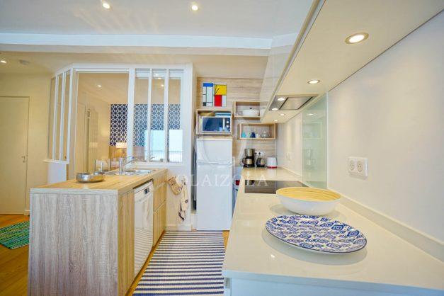 location-vacance-biarritz-appartement-t2-vue-mer-miramar-terrasse-centre-ville-parking-016