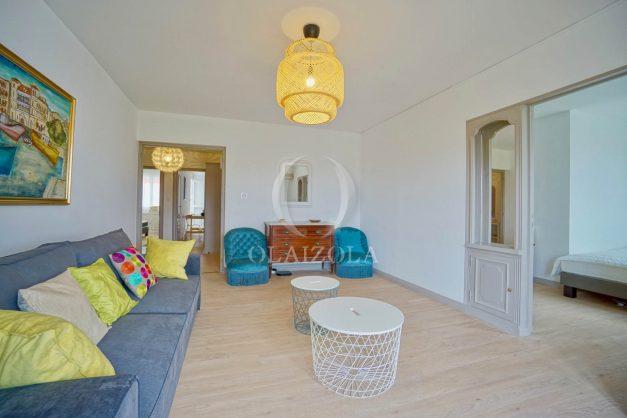 location-vacance-biarritz-t4-centre-ville-renove-balcon-terrasse-plage-a-pied-jardin-public-2019-004