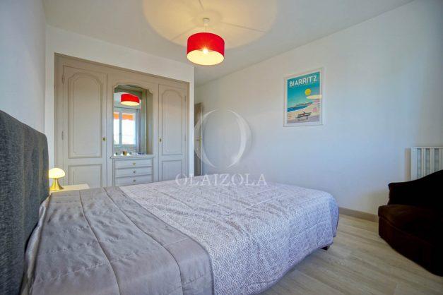 location-vacance-biarritz-t4-centre-ville-renove-balcon-terrasse-plage-a-pied-jardin-public-2019-017