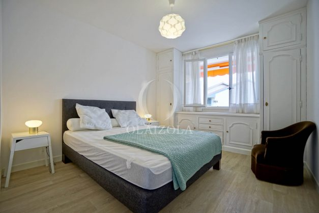 location-vacance-biarritz-t4-centre-ville-renove-balcon-terrasse-plage-a-pied-jardin-public-2019-026