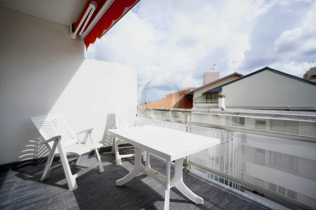 location-vacance-biarritz-t4-centre-ville-renove-balcon-terrasse-plage-a-pied-jardin-public-2019-034