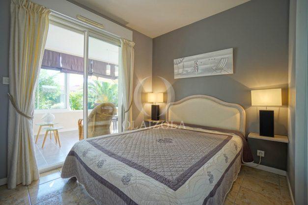 location-vacances-bidart-appartement-rez-de-chaussee-proche-plage-calme-jardin-terrasse-pergola-parking-plein-sud-proche-centre-village-029