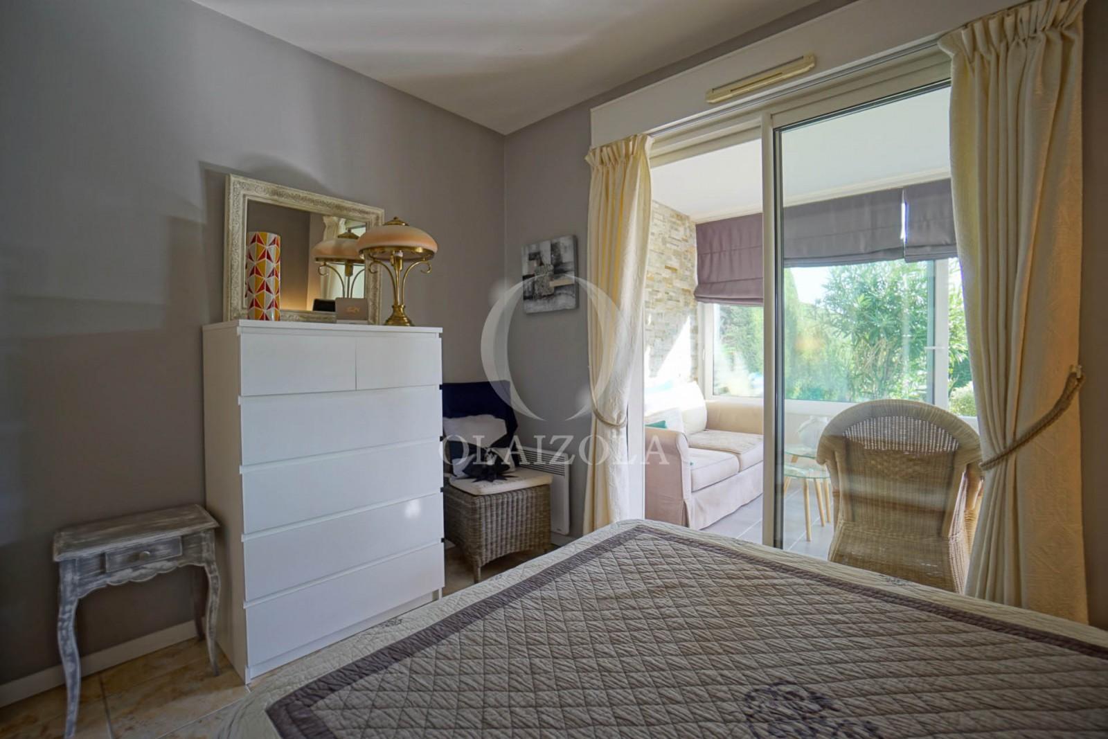 plage village et art de vivre agence olaizola location saisonni re de vacances biarritz. Black Bedroom Furniture Sets. Home Design Ideas