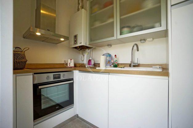 location-vacances-biarritz-appartement-T2-proche-centre-ville-plages-vue-mer-port-vieux-parking-011