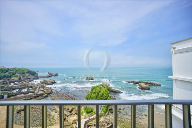 location-vacances-biarritz-clemenceau-vue-mer-dernier-etage-2pieces-vue-port-006