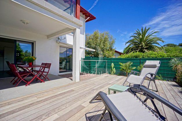 location-vacances-bidart-appartement-vue-montagne-terrasse-plein-sud-proche-mer-centre-village-plage-a-pied-biarritz-a-5-min-007