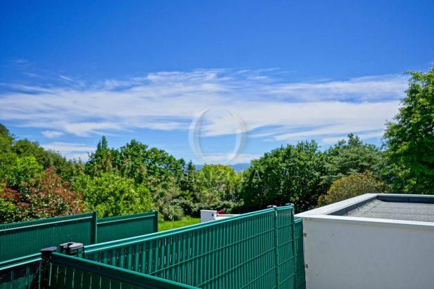 location-vacances-bidart-appartement-vue-montagne-terrasse-plein-sud-proche-mer-centre-village-plage-a-pied-biarritz-a-5-min-024
