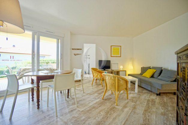 location-vacances-biarritz-agence-olaizola-proche-plage-milady-cote-des-basques-terrasse-parking-beaurivage-004