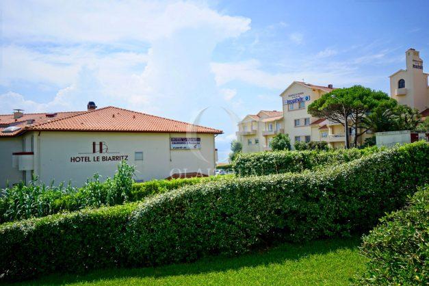 location-vacances-biarritz-agence-olaizola-proche-plage-milady-cote-des-basques-terrasse-parking-beaurivage-017