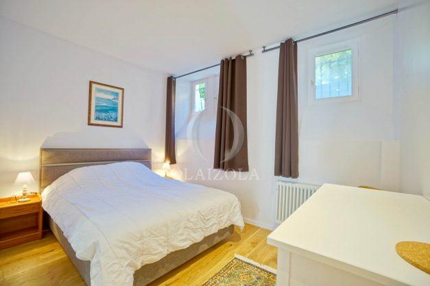 location-vacances-biarritz-appartement-t3-biarritz-centre-ville-plage-a-pied-apercu-mer-port-vieux-centre-ville-proches-halles-012