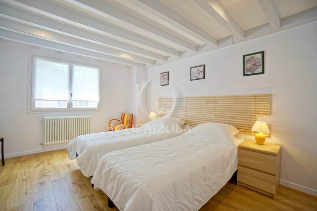 location-vacances-biarritz-appartement-t3-biarritz-centre-ville-plage-a-pied-apercu-mer-port-vieux-centre-ville-proches-halles-019