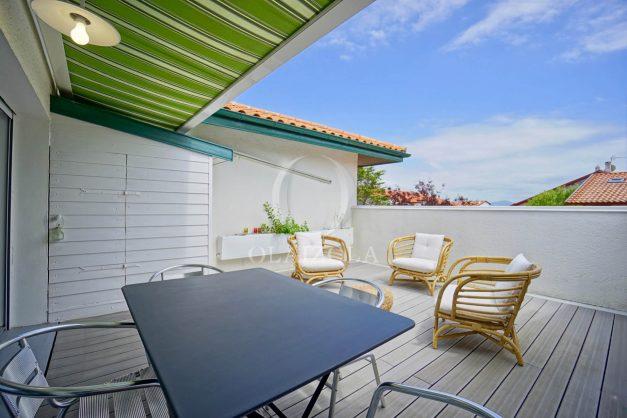 location-vacances-bidart-appartement-duplex-vue-montagne-mer-plage-a-pied-erretegia-proche-centre-commerce-residence-fronton-007