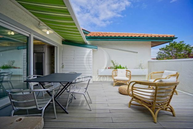 location-vacances-bidart-appartement-duplex-vue-montagne-mer-plage-a-pied-erretegia-proche-centre-commerce-residence-fronton-008