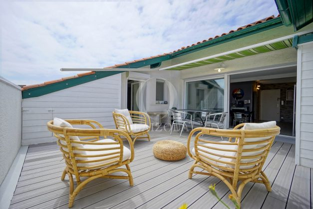 location-vacances-bidart-appartement-duplex-vue-montagne-mer-plage-a-pied-erretegia-proche-centre-commerce-residence-fronton-011