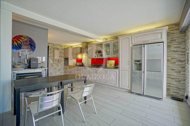 location-vacances-bidart-appartement-duplex-vue-montagne-mer-plage-a-pied-erretegia-proche-centre-commerce-residence-fronton-015