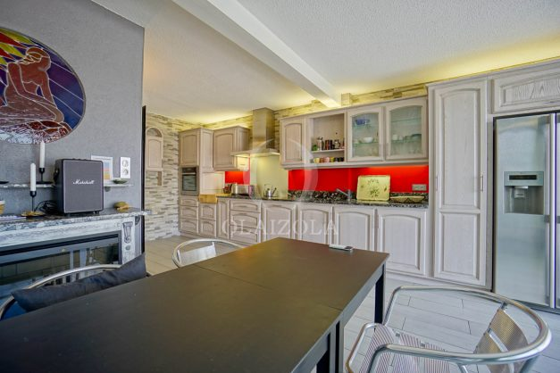 location-vacances-bidart-appartement-duplex-vue-montagne-mer-plage-a-pied-erretegia-proche-centre-commerce-residence-fronton-020