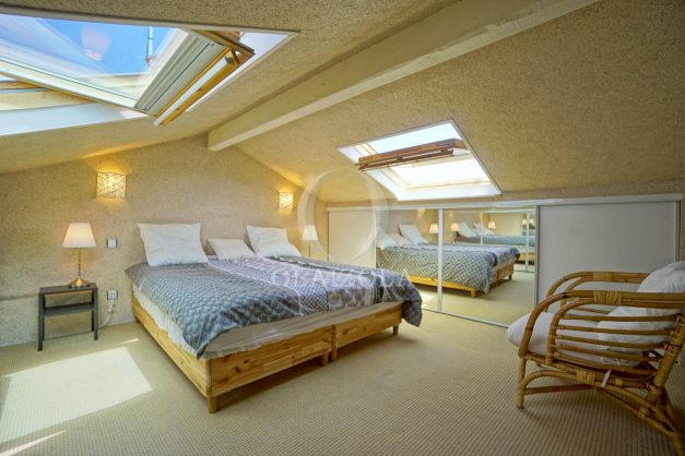 location-vacances-bidart-appartement-duplex-vue-montagne-mer-plage-a-pied-erretegia-proche-centre-commerce-residence-fronton-033