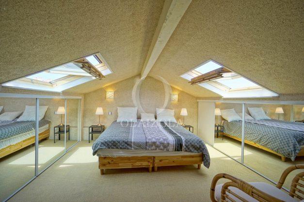 location-vacances-bidart-appartement-duplex-vue-montagne-mer-plage-a-pied-erretegia-proche-centre-commerce-residence-fronton-034