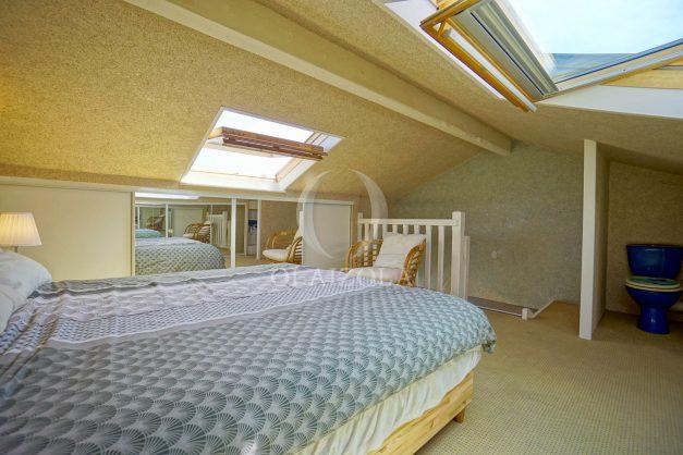 location-vacances-bidart-appartement-duplex-vue-montagne-mer-plage-a-pied-erretegia-proche-centre-commerce-residence-fronton-036