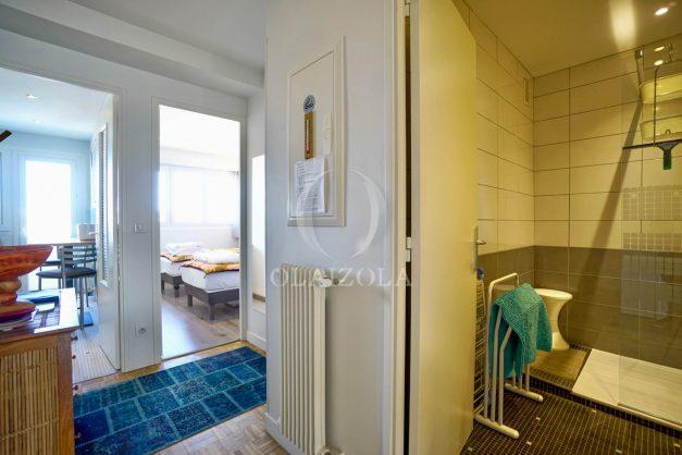 location-vacances-biarritz-appartement-type-2-balcon-centre-ville-vue-toit-2021-010