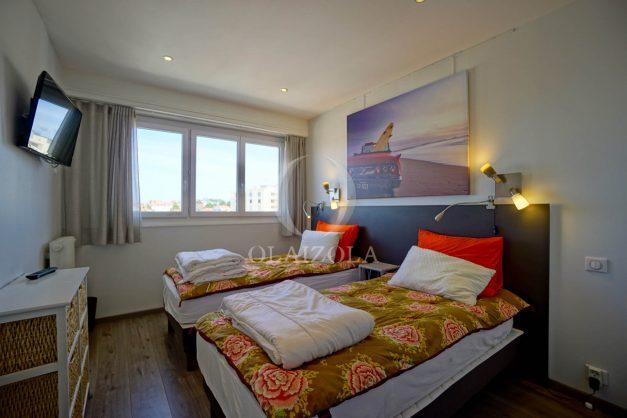 location-vacances-biarritz-appartement-type-2-balcon-centre-ville-vue-toit-2021-014