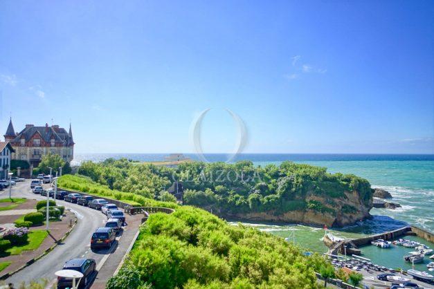 location-vacances-biarritz-appartement-biarritz-loft-plateau-atalaye-biarritz-vue-mer-biarritz-parking-couvert-centre-ville-biarritz-plage-a-pied-2020-001