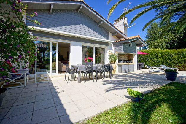 location-vacances-biarritz-villa-plain-pied-4pieces-piscine-barbeucue-jardin-spacieuse-sud-05-2021-10