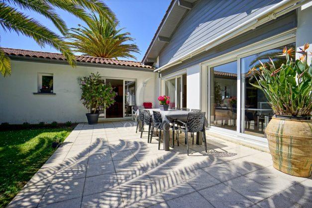 location-vacances-biarritz-villa-plain-pied-4pieces-piscine-barbeucue-jardin-spacieuse-sud-05-2021-12