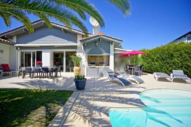 location-vacances-biarritz-villa-plain-pied-4pieces-piscine-barbeucue-jardin-spacieuse-sud-05-2021-13